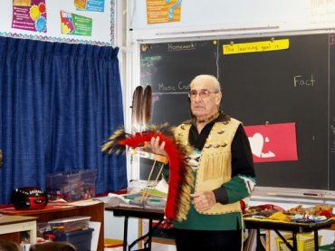 Ross teaches aboriginal awareness to students