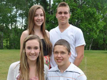 Students recognized at extracurricular banquet
