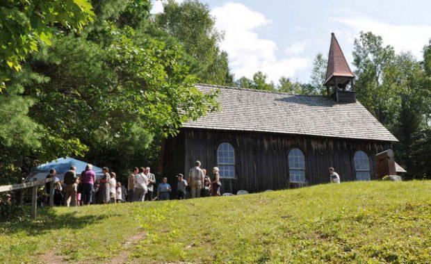 Rockingham Church.preview.jpg