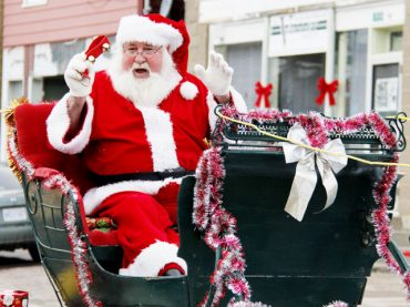 Santa arrives in Barry's Bay