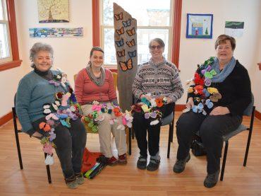 Yarn bombing helps hospice