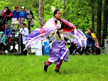 Eleven schools attend Algonquins of Pikwakanagan First Nation cultural day