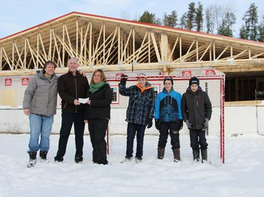 Joe Murray Memorial Golf Tournament gives to Wilno Rink