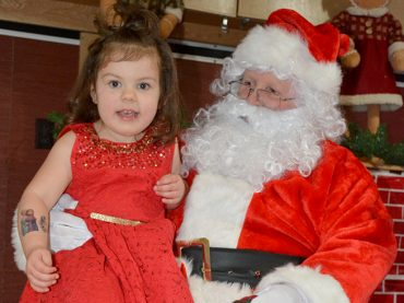 Kids gather to meet Santa in Combermere