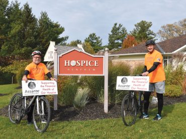 Renfrew Hospice benefits from bike ride